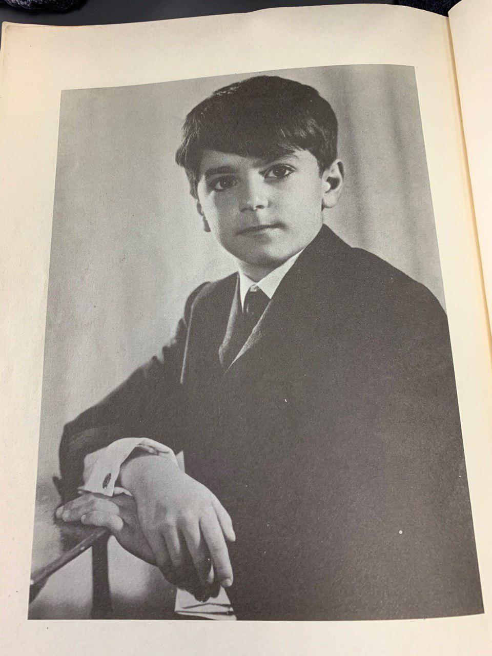 تصویر شاهزاده رضا پهلوی
