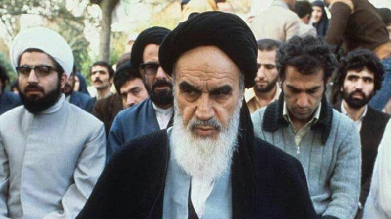خمینی و حسن روحانی در نوفل لوشاتو